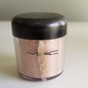 RARE DISCONTINUED M.A.C PIGMENT IN JARDIN AIRES